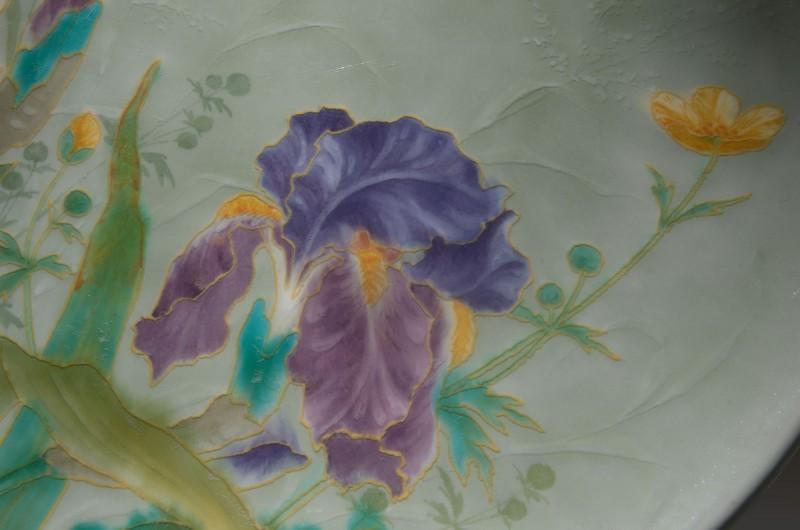 Théodore Deck, détail d'une assiette, iris